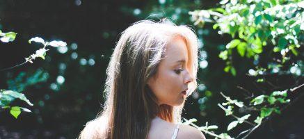 クッションファンデのシミ隠し&潤い透明肌を演出する使い方