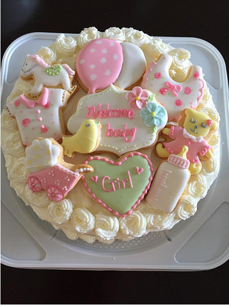 ベビーシャワー用ケーキ