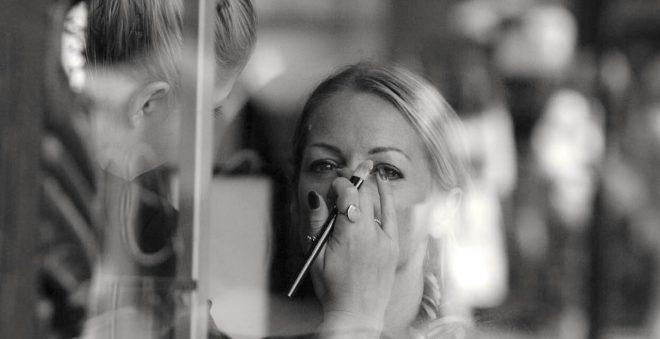 初めてのコスメカウンターでも緊張しない!美容部員さんへの上手な相談方法
