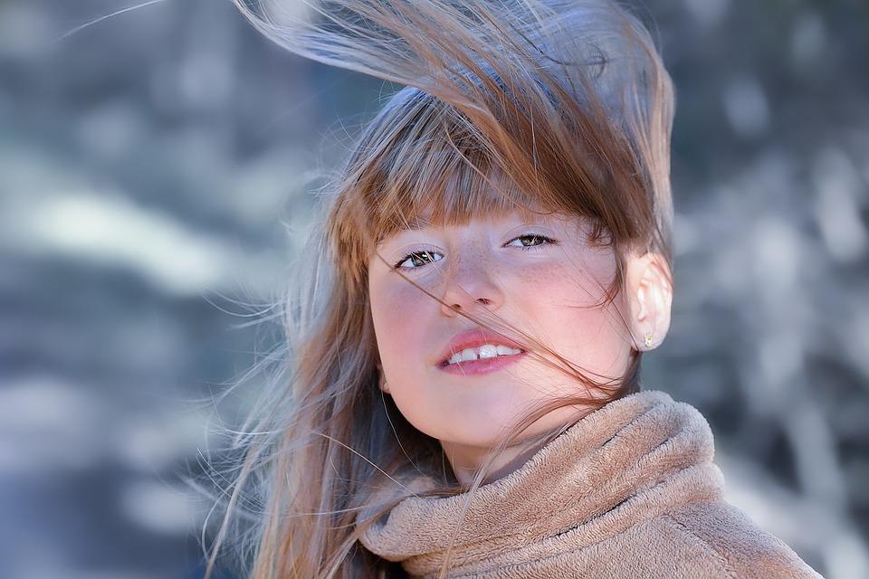 サラサラの髪の毛の女の子