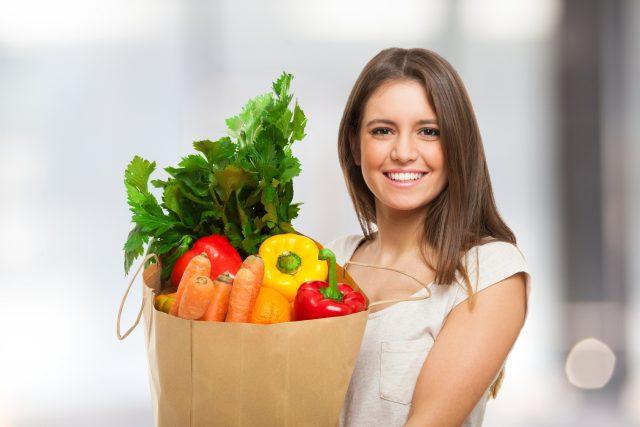 完全菜食主義(ヴィーガン)の女性