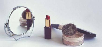 化粧品の使用期限がパッケージに書かれない理由と使用目安