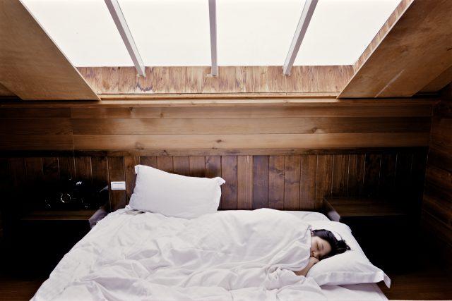 十分な睡眠は肌に良い