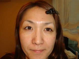 左右対称じゃない失敗眉毛