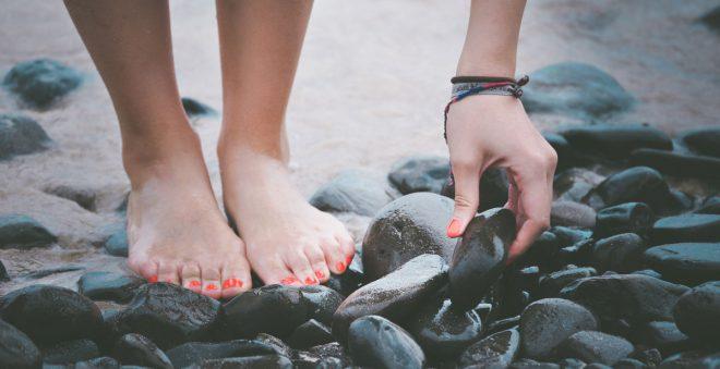 足の臭い対策まとめ。足を洗って靴と靴下の殺菌をしよう!
