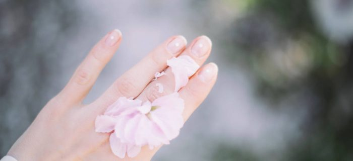 指先の乾燥を何とかしたい!ささくれの原因と正しい治し方とは?