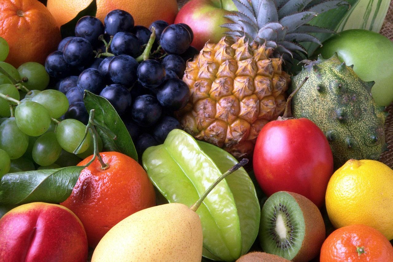 いろんな種類のフルーツ
