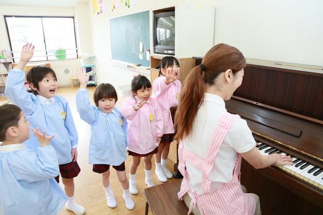 幼稚園の音楽の時間