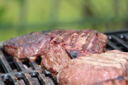 脂肪分の多いステーキなど