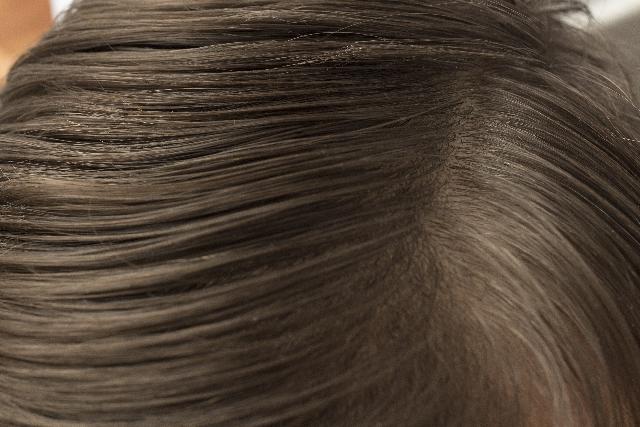 猫っ毛の原因