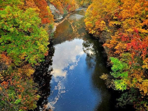 定山渓の秋は紅葉が見どころ