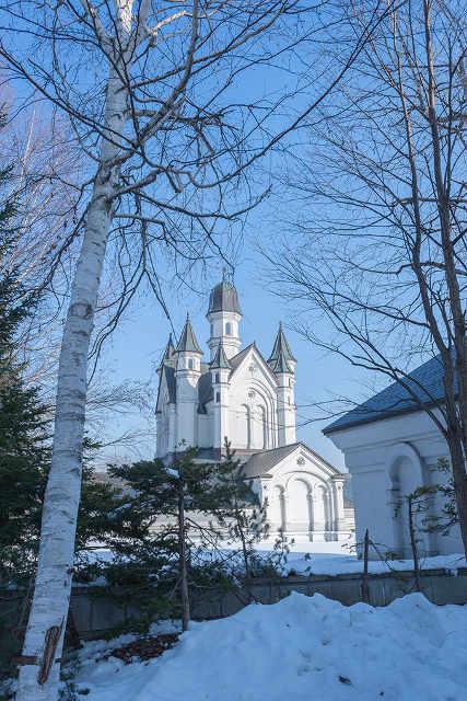 ヨーロッパのお城を思わせる雪の美術館の外観