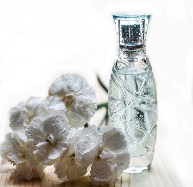 化粧の小瓶