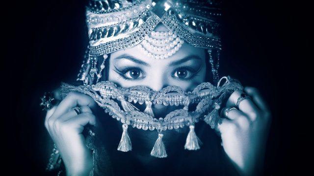 世界三大美女のクレオパトラも愛用していた真珠パワー