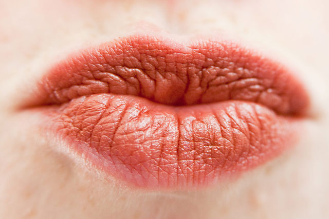 しわしわの唇