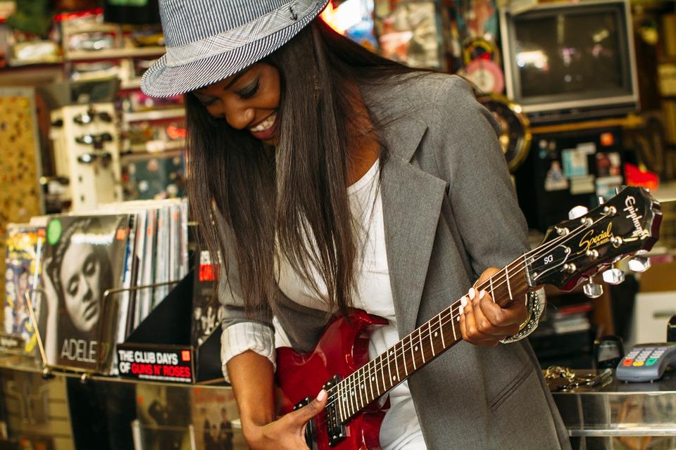 好みの音楽を聴くことは、最も人気があるストレス解消法