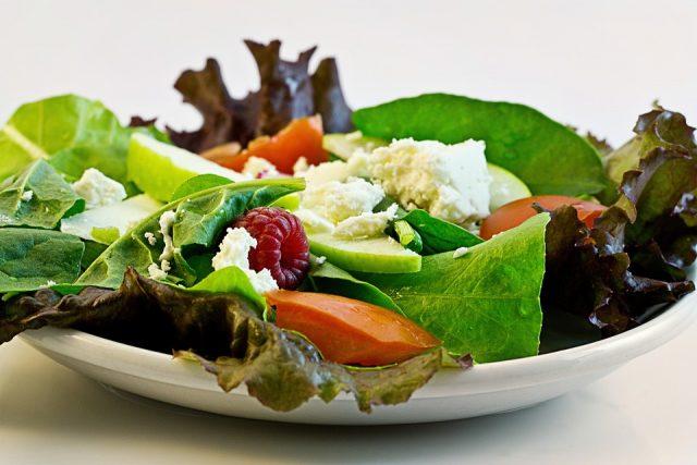 ビタミンが豊富なサラダがおすすめ