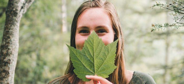 3分でわかるオーガニックコスメとは?肌本来のチカラを取り戻す植物パワーを徹底解説!